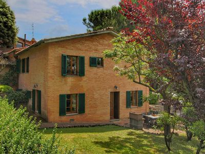Photo for House 5 km from Siena in the hills, swimming pool and garden