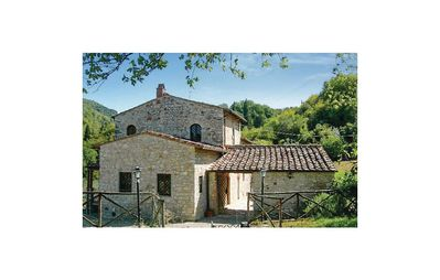 Photo for Beautiful stone house on the hills overlooking Florence
