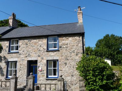 Photo for Built in the C19th for the manager of the nearby woollen mill, this sympathetically restored cottage