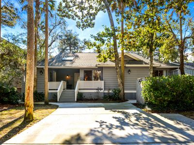 Photo for Shaded, lake view home w/deck & screened porch-near beach, dogs OK!