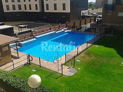 Photo for SUITABLE. LOGROÑO CENTRO 85M2 -GARAJE-WIFI-POOL-GARDEN- CAPACITY 6 PEOPLE