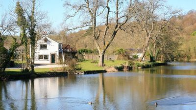 Photo for Riverbank Hideaway - Two Bedroom House, Sleeps 4