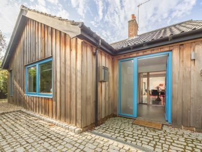 Photo for A superb, spacious light and airy single-storey three bedroom cottage