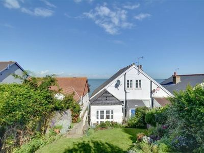 Photo for Apartment Umballa in Whitstable - 6 persons, 3 bedrooms