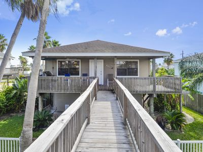 Photo for Heron's Nest-4/2 Sleeps 9 Canal home with access to boat slip!