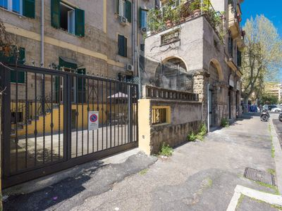 Photo for Apartment Vatican Doria in Roma: Centro Storico - 4 persons, 1 bedrooms