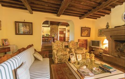 Photo for Charming villa with swimming pool and private park near Orvieto