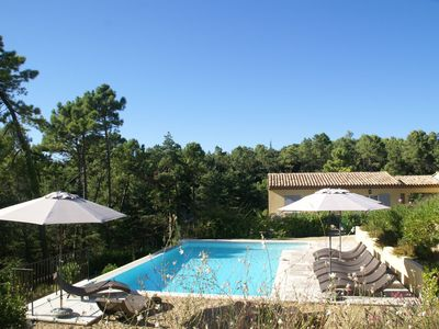 Photo for Luxurious apartment for four people in residence in the heart of Provence