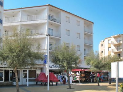 Photo for Apartment Riells Park in L'Escala - 4 persons, 2 bedrooms