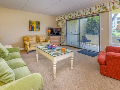 Photo for Perfect two bedroom two bathroom ground floor. Just steps away from the pool!