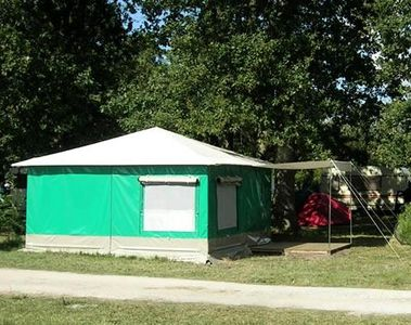 Photo for Camping Chesnays **** - Canvas Bungalow Caribbean 3 Rooms 4 Persons