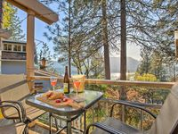 Beautiful, well-stocked home with great deck and gorgeous views of the lake!