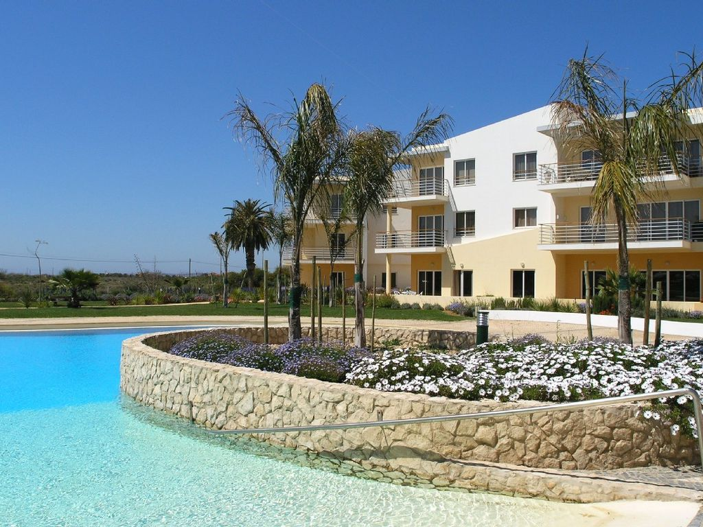 ground floor holiday rental available homeaway alvor