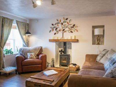 Photo for COUNTRY NEST- Cosy Spacious Cottage