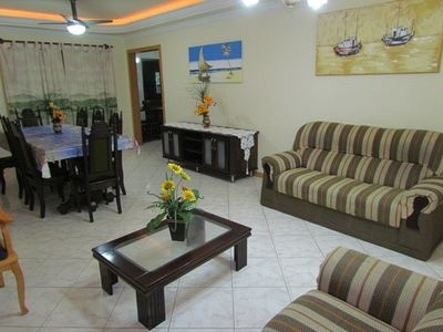 Photo for Beautiful apartment, well decorated and very close to the beach, with private security!