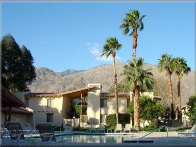 Photo for No Stairs!  2BR/2BA Reno Designer Furnished Washer/Dryer, Walk DNT, Wi-Fi, Phone