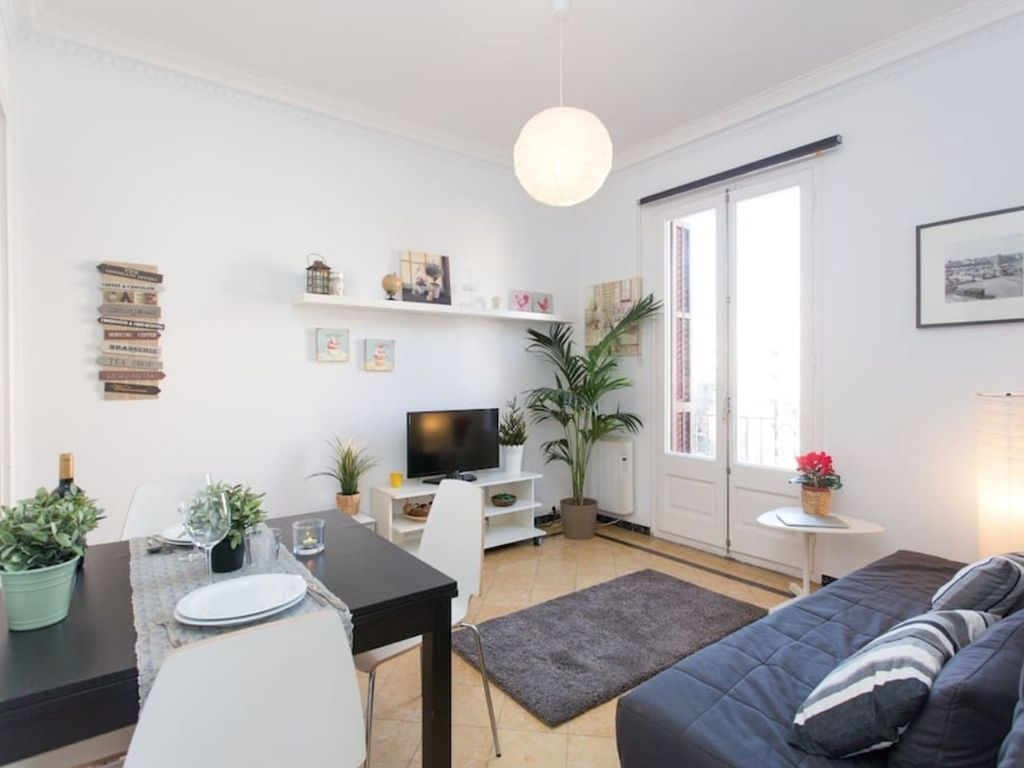 Barcelona fira 4 appartement pour 5 personnes for Appart hotel 5 personnes barcelone
