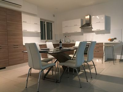 Perfect dinning area for entertaining.