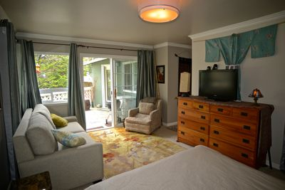 private entrance, queen sofa sleeper,  use of deck with barbecue, Wi-Fi, cable TV, coffee maker,  fridge, sleeps 3 to 4