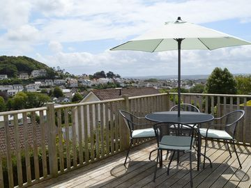 Beautiful, modern 2 bedroomed cottage with stunning views across Braunton