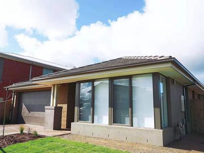 Photo for 5Bed 2Bath Family House in Werribee