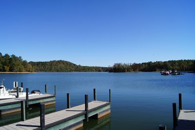 Enjoy Hart's Cove private access to Lake Hartwell morning, noon and night.