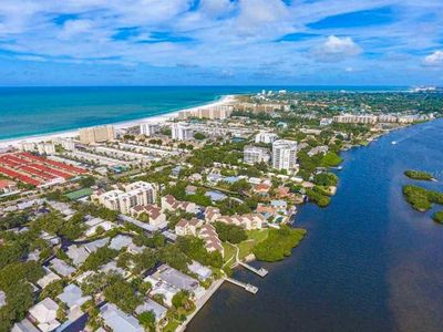 Photo for Siesta Key Bay Oaks Two Bedroom Condo With Pool View
