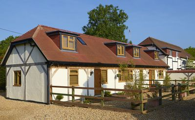 Photo for Idyllic Cottage for the perfect New Forest Counrty Escape