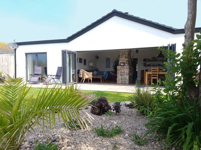Photo for Luxury bungalow, stunning views, only minutes from beautiful Crantock beach