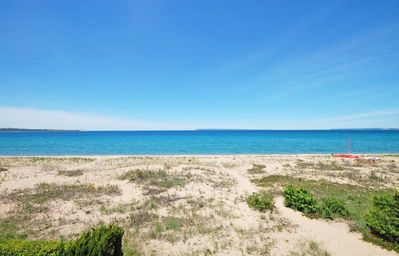 Gorgeous Lake Michigan Views! 2B/2B Beachfront Condo in Glen Arbor!