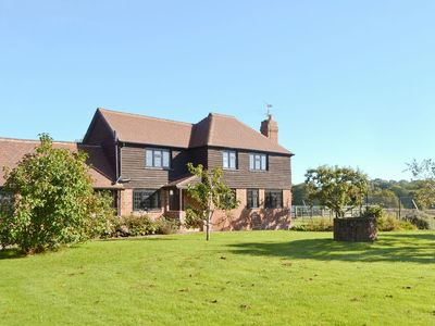 Photo for 2 bedroom property in All Surrey. Pet friendly.