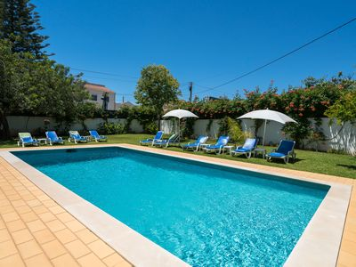 Photo for Quiet holiday - 4 bedrooms and private pool