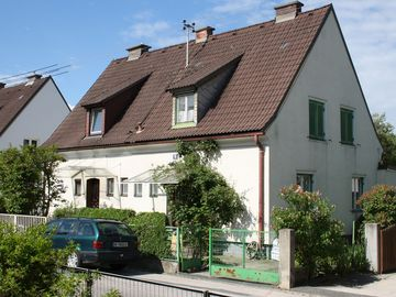 Spacious town house with private fenced garden in Klagenfurt