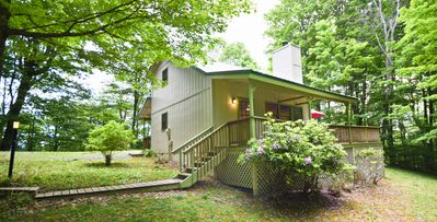 Photo for *NEW*Peaceful ridge-top cottage on Sugar Mountain. 3BR/2BA, fire pit, large deck