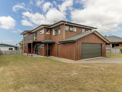 Photo for Hunters Lodge - Taupo Central Holiday Home