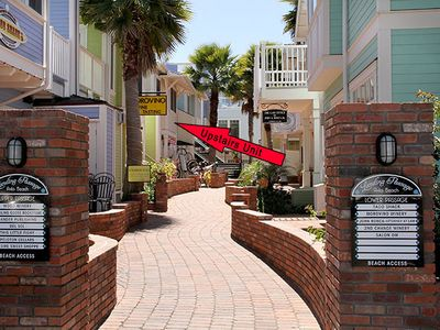 Condo is on charming walkway that leads to beach & downtown Avila