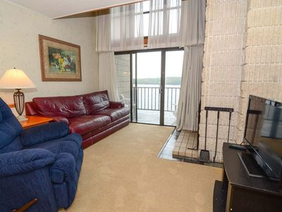 502F- 3 bedroom/2 bath lakefront condo, offers free WiFi!