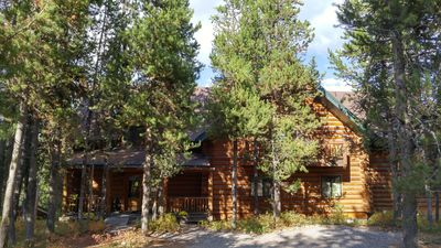 Photo for Moose Hoose-7 bedroom/5 bath. Only 25 minutes to Yellowstone NP. Sleeps 20-30.