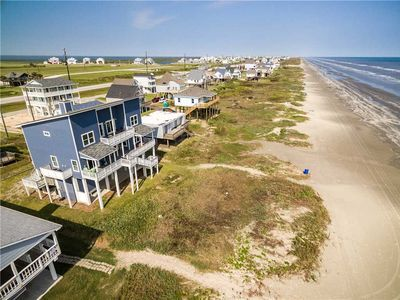 Photo for Front Row - 5 bdrm 3.5 bath - sleeps 15 - Beachfront in Sea Isle