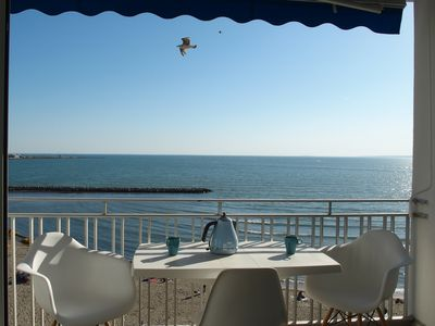 Photo for P3_5 floor apartment in 1st line facing the beach with a splendid sea view