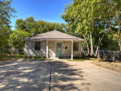 Photo for Family and Pet friendly near Georgetown Square and Southwestern University