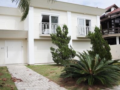 Photo for House of 05 suites, excellent leisure area and unbeatable location!