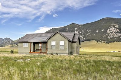 Have the quintessential Montana retreat in this marvelous Ennis cabin!