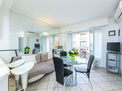 Photo for Apartment LE CHEVERNY in Cannes - 3 persons, 2 bedrooms