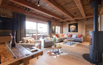 Photo for Chalet charmant et cosy avec piscine privée | Près des pistes