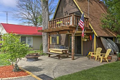 Experience the best of Lakeview from this vacation rental next to Indian Lake.