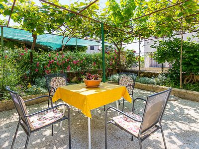 Photo for Vacation home ORIETA / 11651 in Pula - 4 persons, 1 bedrooms