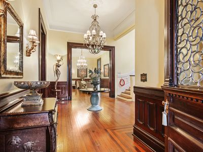 Photo for Amazing Parlor Unit on St Charles! Parades! Street Car!