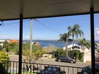 House was perfect, roomy, clean, very welcoming, beautiful view of the water from front balcony.