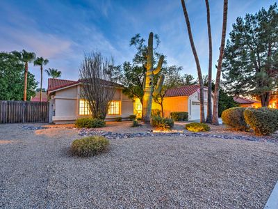 Clean Scottsdale Home w/Pool, Fire Pit & More!